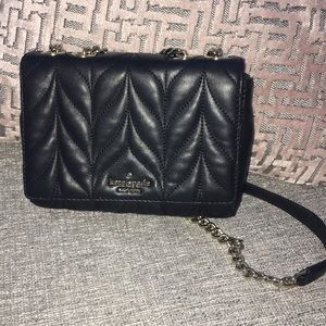 Kate Spade quilted crossbody bag. Like new.